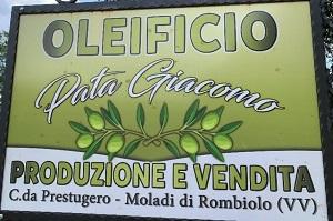 OLEIFICIO PETROLO-PATA - OLEIFICIO ARTIGIANALE PER LA PRODUZIONE E VENDITA DI OLIO EXTRAVERGINE DI OLIVA 100% ITALIANO - 1